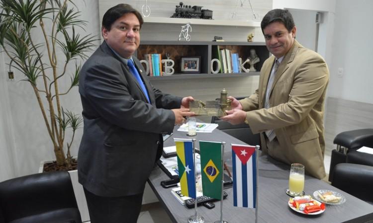 Presidente da Fecomércio-RO recebe visita de Cônsul Cubano