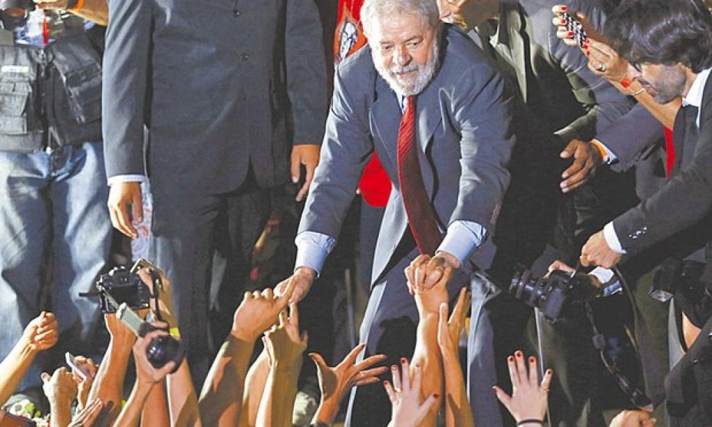 Lula comanda manifestação na Lapa contra impeachment de Dilma