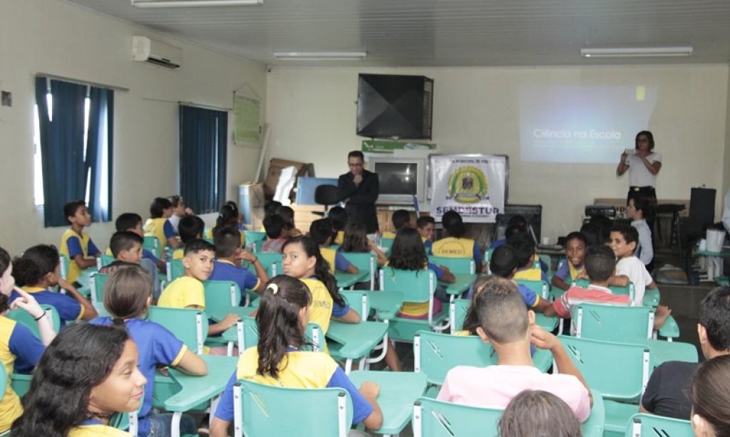 Ciência e Tecnologia são apresentadas a crianças da rede municipal de ensino