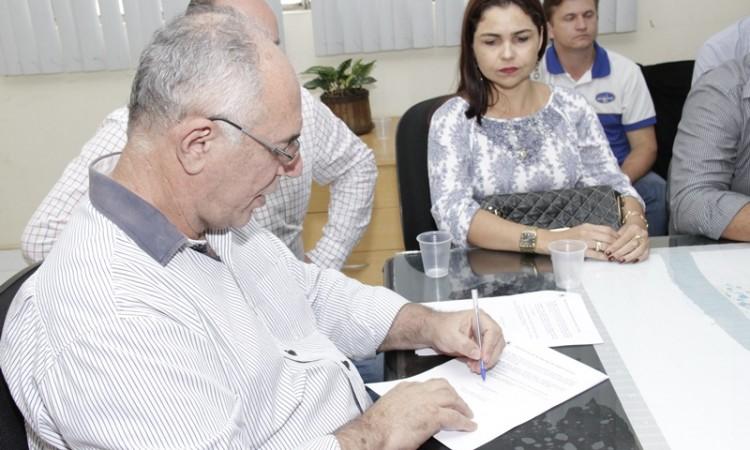 Prefeito Mauro Nazif sanciona lei que estimula instalação de empresas e geração de empregos