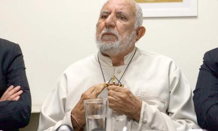 Morre padre 'citado' em 'Spotlight' condenado por abusar de coroinhas