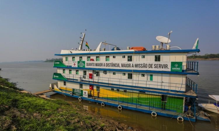 Barco hospital é inaugurado com festa em Guajará-Mirim; unidade também atenderá bolivianos