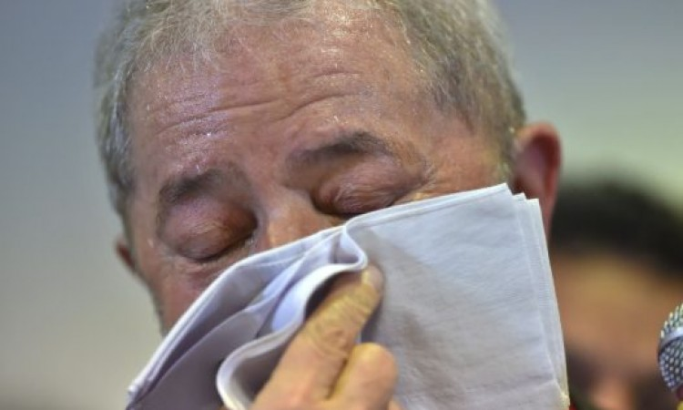 Juiz repudia Lula por analfabeto político