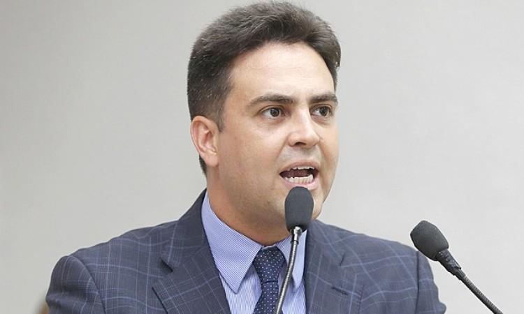 Léo Moraes perde tempo no rádio e TV