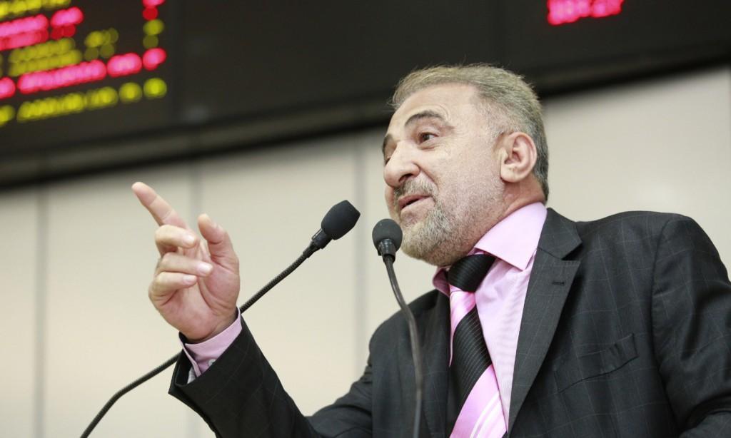 Hermínio Coelho agenda reunião para tratar da garimpagem do Rio Madeira