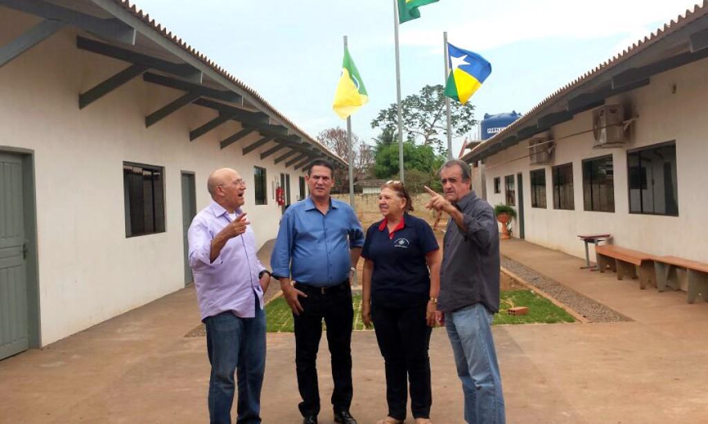 Maurão e Confúcio conhecem escola de Rolim que teve maior crescimento no Ideb em Rondônia