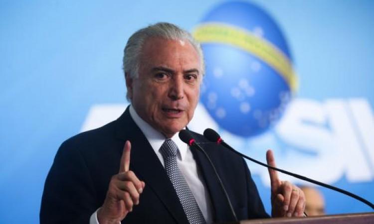 Em mensagem de fim de ano, Temer diz que Brasil derrotará a crise em 2017