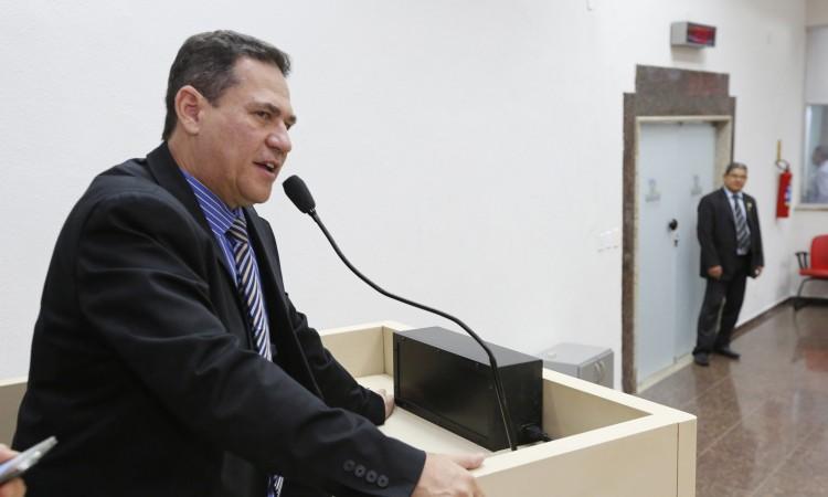Maurão de Carvalho indica convocação de aprovados no concurso da Seduc