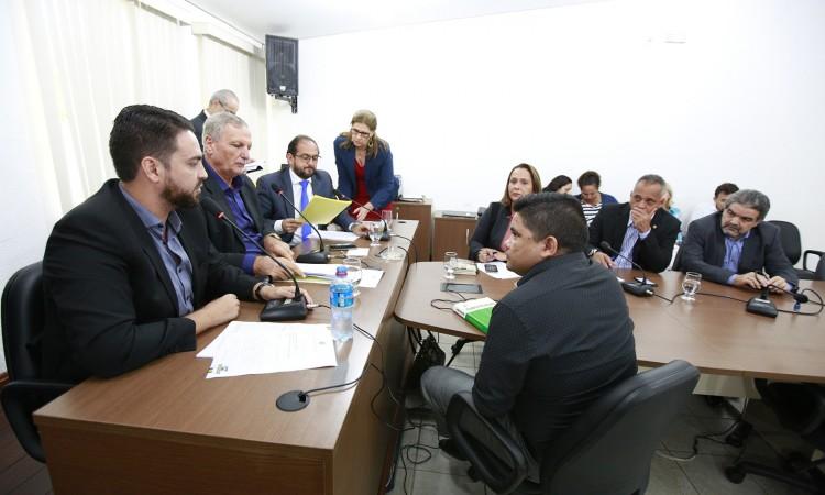 Comissão de Justiça discute PEC que altera redação da Constituição do Estado