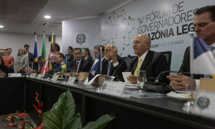 Assinado o Protocolo de criação do Consórcio de Desenvolvimento da Amazônia Legal durante encerramento de fórum em Rondônia