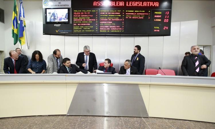 Assembleia autoriza a criação da Gipoa e contratação emergencial