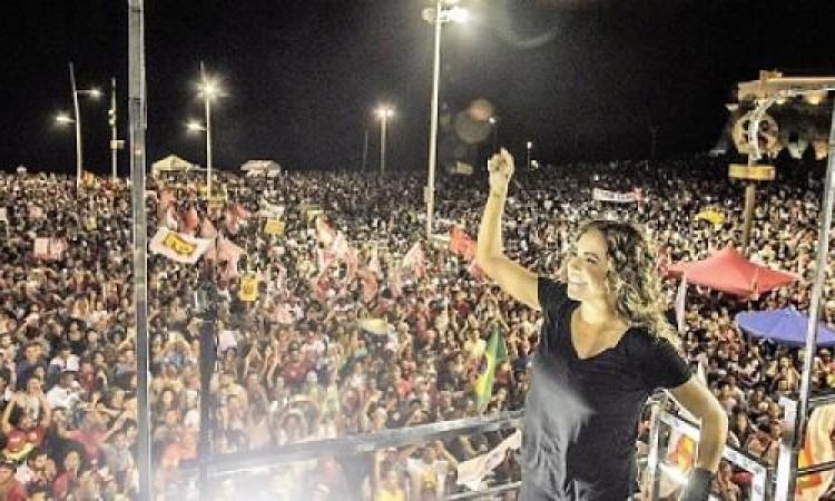 Salvador reúne milhares que pedem para escolher novo presidente