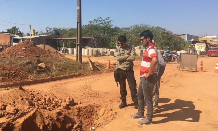 Semtran fiscaliza obras de ampliação do abastecimento de água na cidade