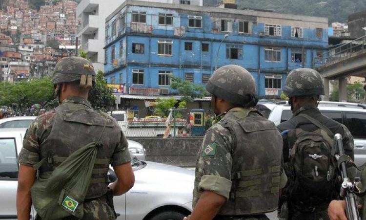Exército fará cerco na Rocinha na tarde de hoje
