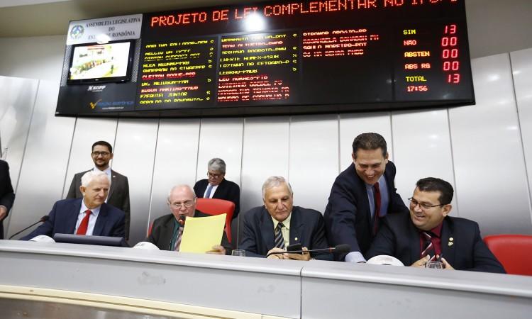 Deputados aprovam concurso público na Assembleia Legislativa