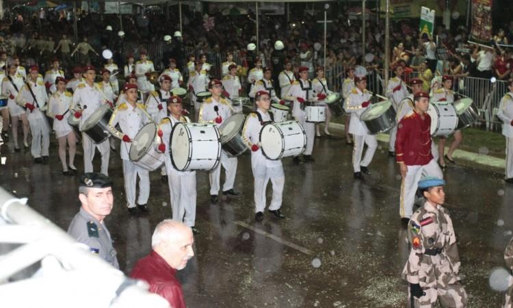 Milhares de pessoas prestigiaram o desfile de 7 de Setembro em Porto Velho