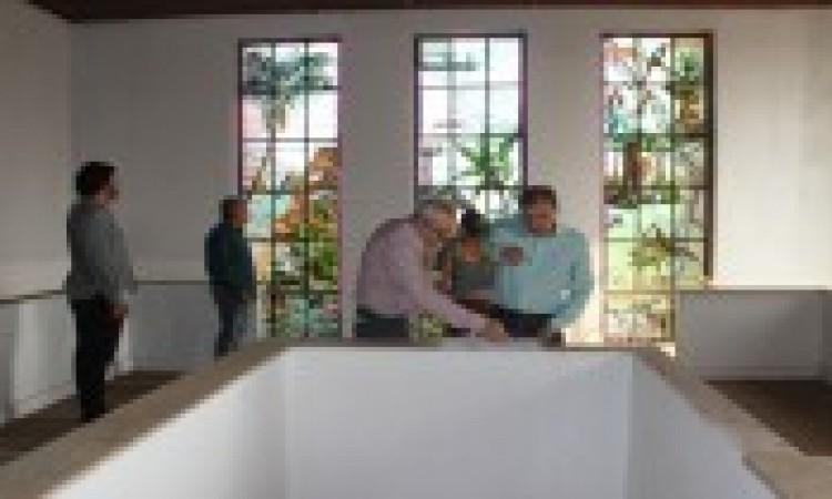Prefeito visita Prédio do Relógio onde será nova sede da prefeitura