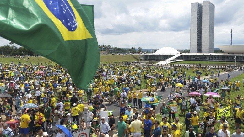 PROTESTO-BRASILIA-131215.jpg