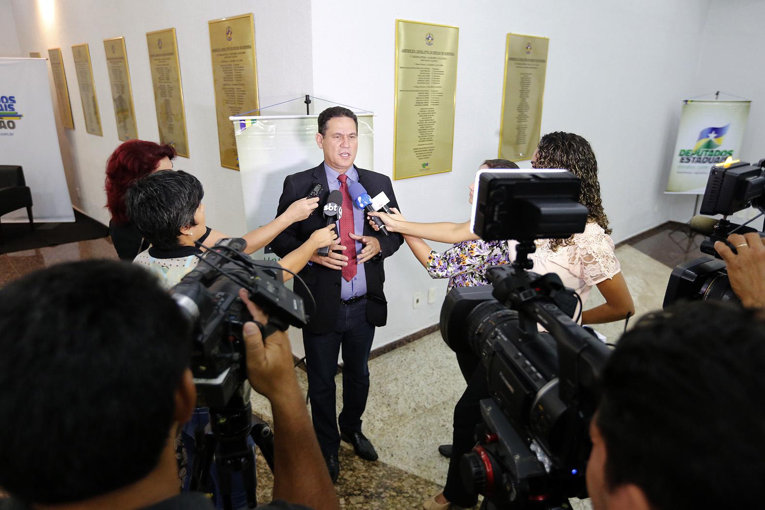 Maur_o-de-Carvalho-apresenta-n_meros-de-economia-para-jornalistas-16Fev16-Foto-Jos_-Hilde-Decom-ALE-RO-1.jpg