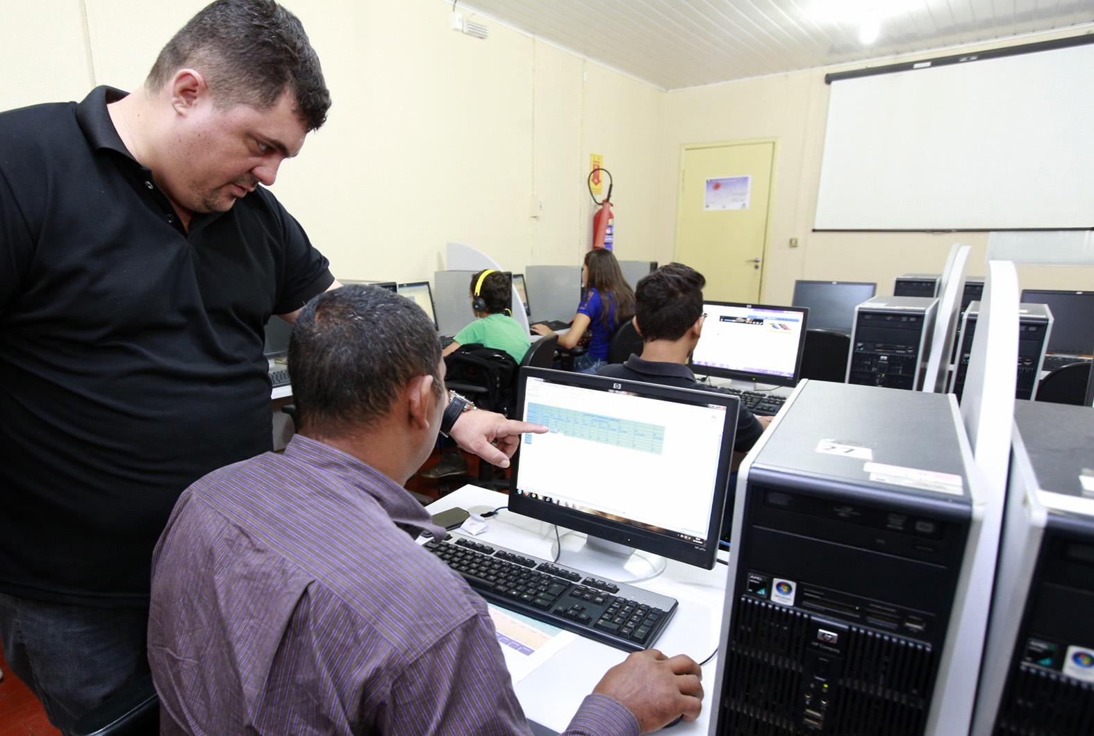 Cinco-cursos-da-Escola-do-Legislativo-iniciam-na-segunda-feira-21Mar16-Foto-Ana-C_lia-Decom-ALE-RO.jpg