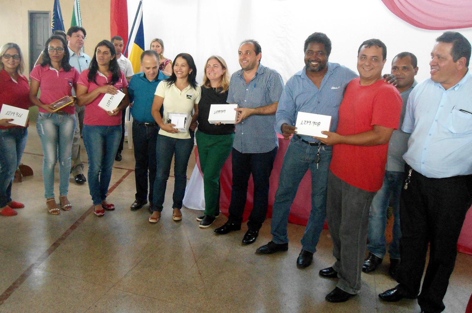 Educa__o-avan_a-da-merenda-ao-netbook-com-apoio-legislativo-Foto-Assessoria-2.jpg
