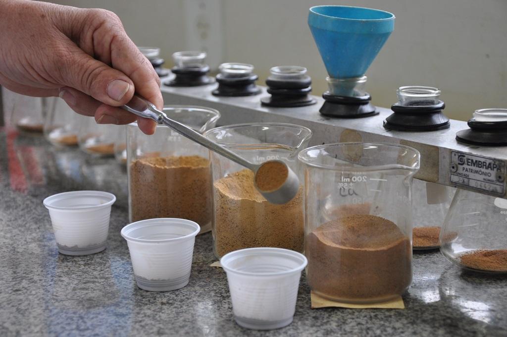laboratorio-solos_foto_Rafael_Rocha-2.jpg
