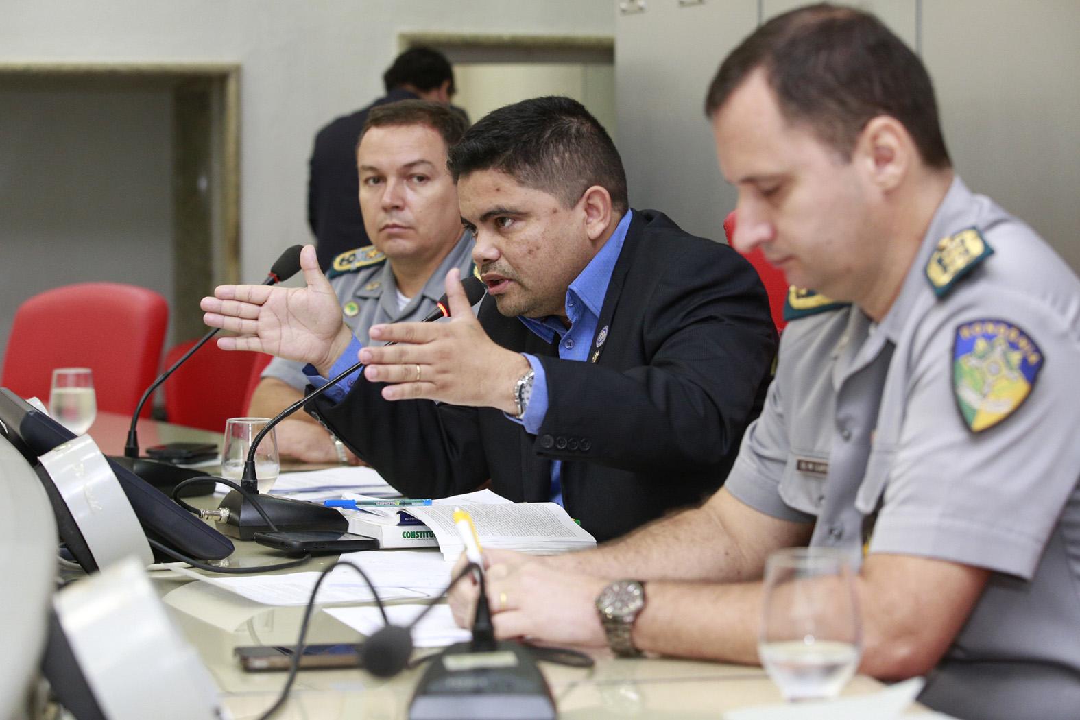 previdencia-dos-militares-do-estado-e-debatida-em-reuniao-na-assembleia.jpg