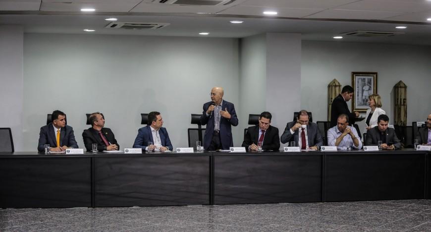 Reuniao-com-superintendentes-do-INCRA-entrega-de-tutulos-Definitivos-22-08-25-870x468.jpg