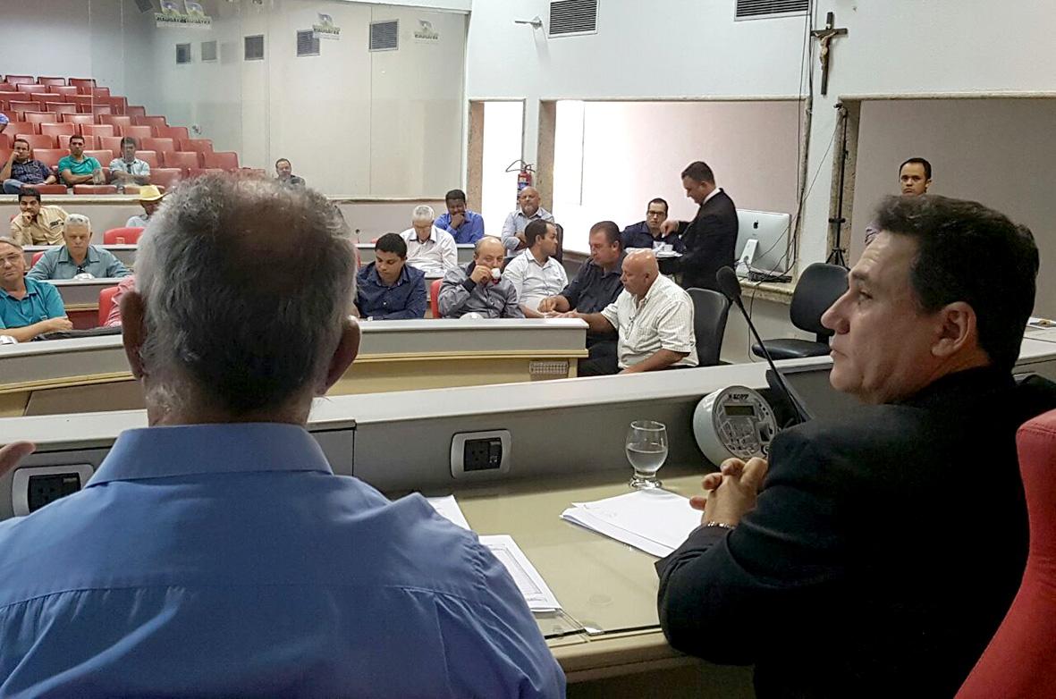 deputados-discutem-devolucao-de-recursos-por-38-municipios-a-prefeitura-da-capital.jpg