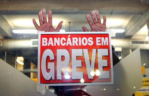 050916-BANCARIOS-EMGREVE.jpg