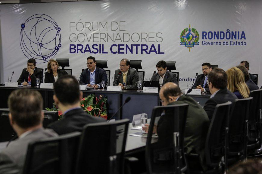 Fórum-de-Governadores-Rondônia-Abertura-Camara-de-Educaçåo-e-Camara-do-Turismo-06-10-16-Bruno-Corsino-10-870x580.jpg