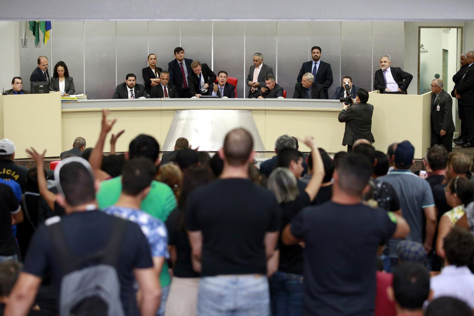 assembleia-aprova-integralizacao-da-periculosidade-aos-policiais-civis-1.jpg