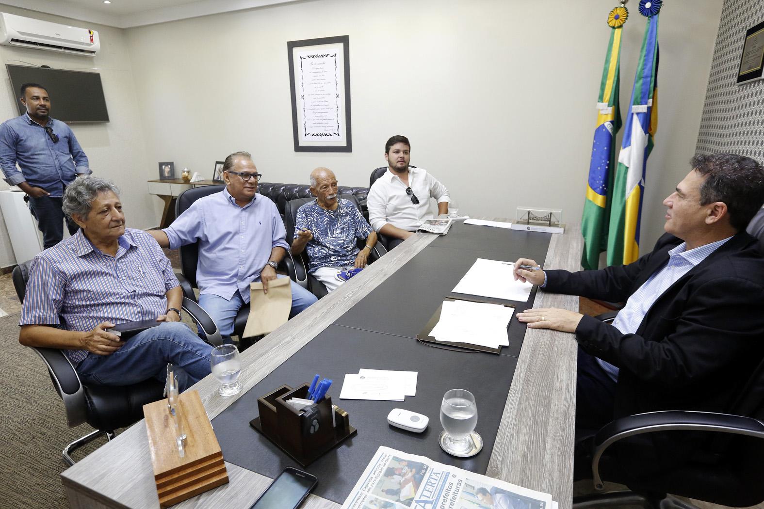 maurao-de-carvalho-recebe-diretores-do-jornal-alto-madeira-que-completa-100-anos-em-abril.jpg