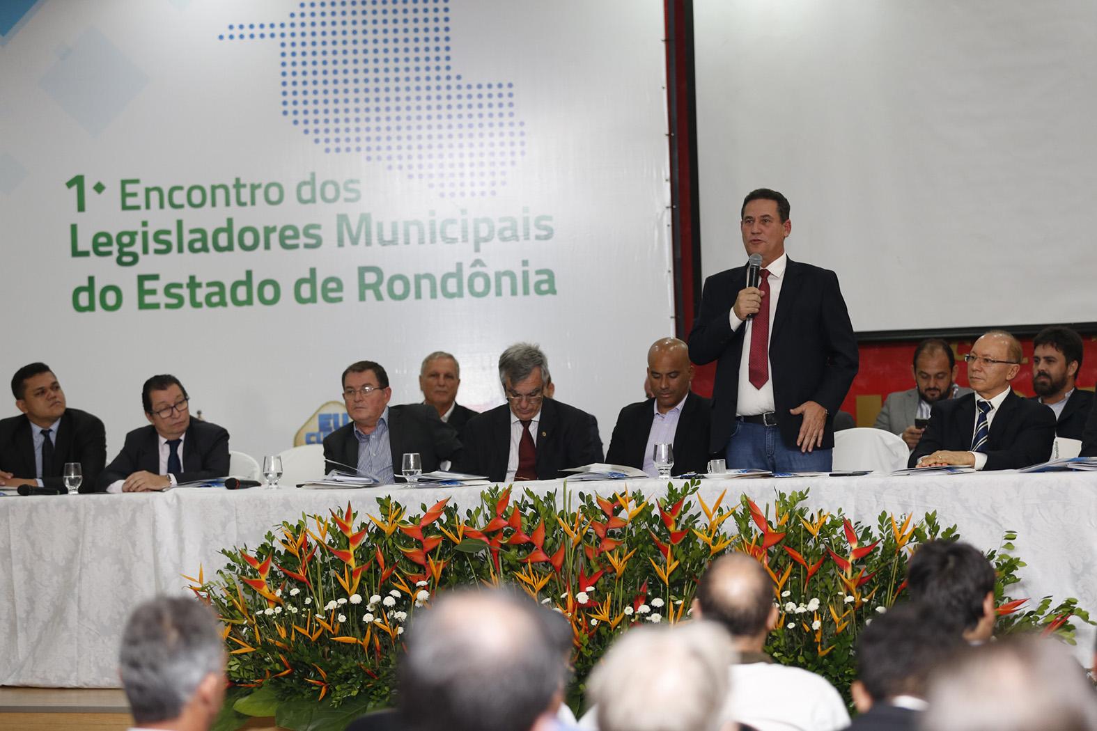 maurao-ressalta-papel-dos-vereadores-na-construcao-de-municipios-fortes.jpg