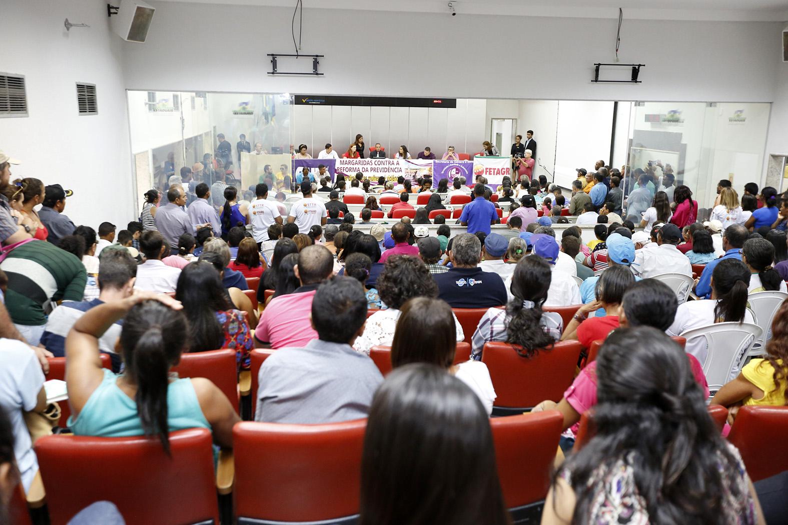 audiencia-publica-debate-as-propostas-de-reforma-da-previdencia.jpg