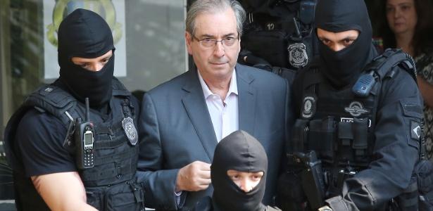 o-ex-deputado-eduardo-cunha-e-levado-ao-iml-de-curitiba-para-realizar-exame-de-corpo-de-delito-cunha-foi-preso-por-ordem-do-juiz-sergio-moro-no-ambito-da-operacao-lava-jato-.jpg