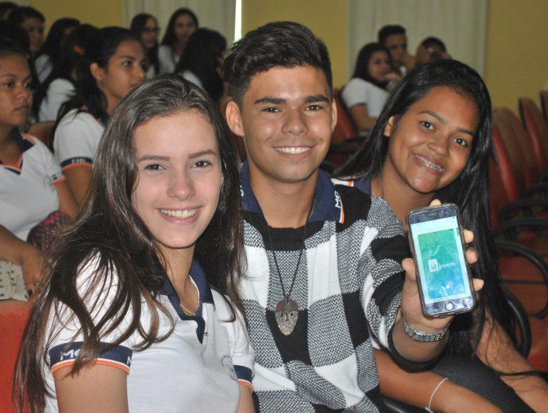 Lançamento-Identidade-Jovem-em-Rondônia_22_05_2017_Maximus-Vargas-85-768x578.jpg