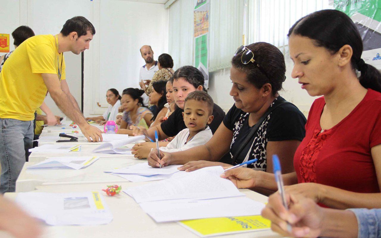 Orgulho-do-Madeira-beneficiados-assinam-contrato-com-o-Banco-do-Brasil_17.05.17_Foto_Daiane-Mendonça-10.jpg