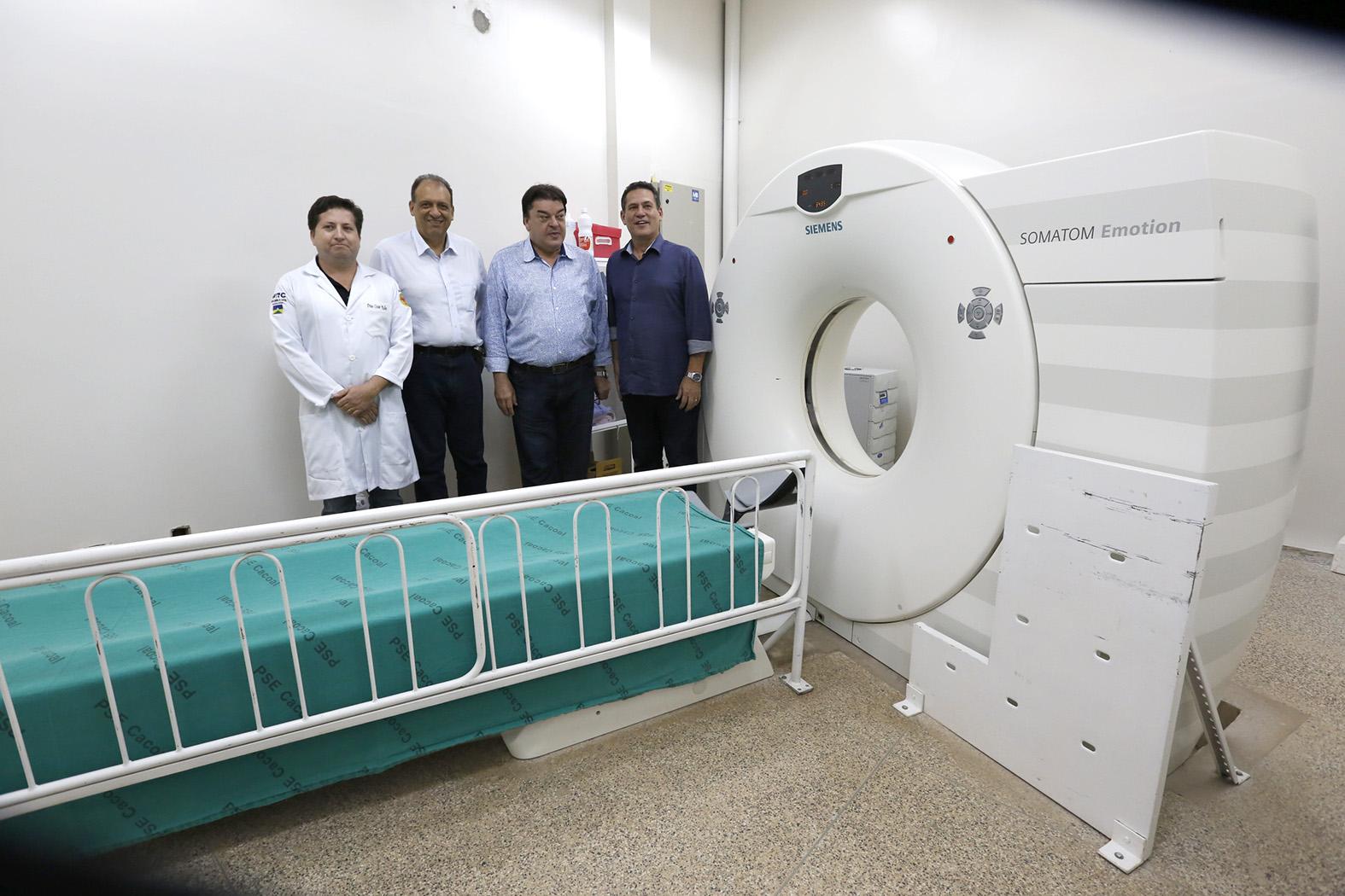 maurao-prestigia-entrega-de-aparelho-de-ressonancia-magnetica-no-hospital-regional-de-cacoal.jpg