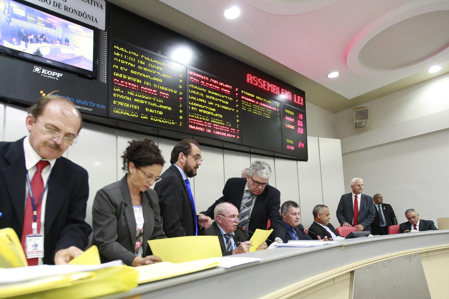 assembleia-aprova-criacao-do-fundo-estadual-dos-diretos-da-mulher.jpg