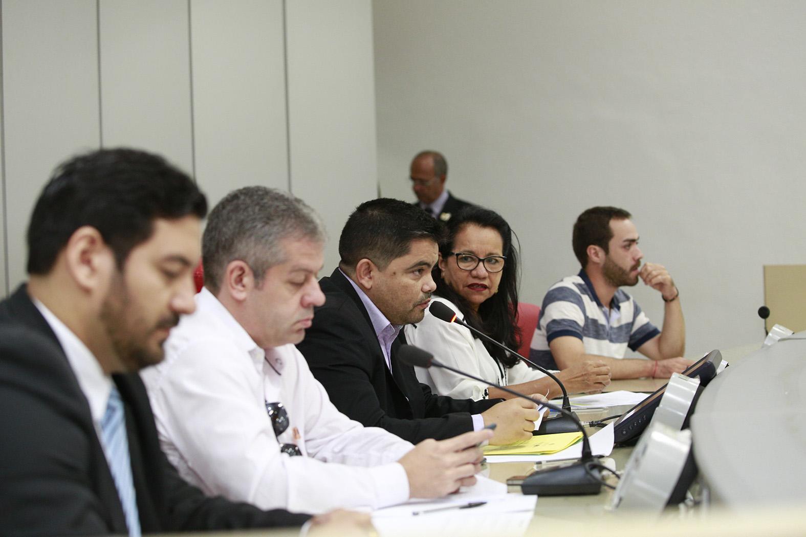 esuíno-Boabaid-preside-Audiência-Pública.jpg