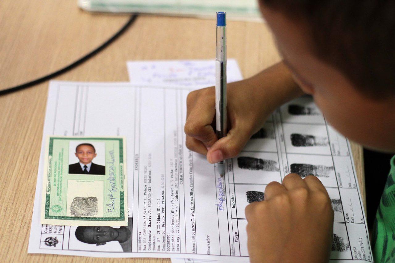 Instituto-de-Identificação-fornecimento-de-identidade-no-barco-hospital_09.01.17_Foto_Daiane-Mendonça-38.jpg