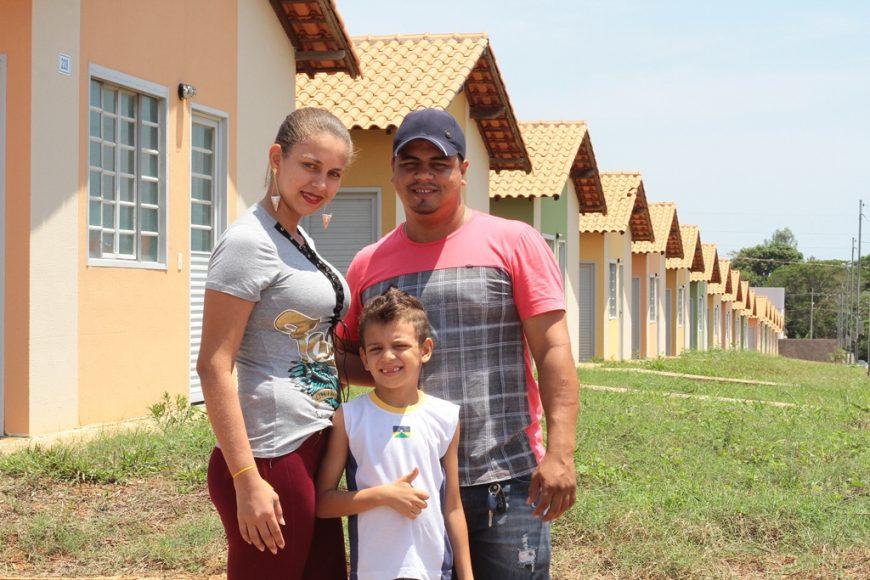 Entrega-de-800-unidades-habitacionais-do-Residencial-Capelasso-em-Ji-Paraná_THAÍS-SANTANA-E-LEANDRO-LIMA_05.10.17_Foto_Daiane-Mendonça-16-870x580.jpg